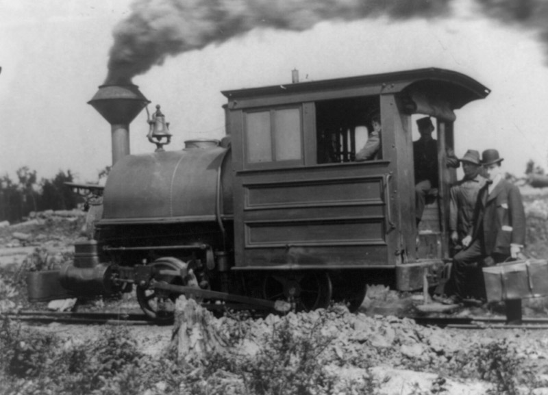 locomotive-on-the-mesabi-range-in-northeast-minnesota-1903.jpg