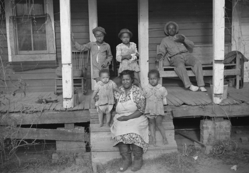 families-on-their-porch-marcella-plantation-mileston-mississippi-delta-mississipp-2.jpg