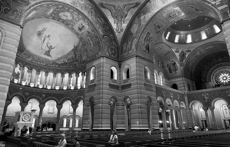 picture-interior-gray-cathedral-st-louis-missouri-714A.jpg