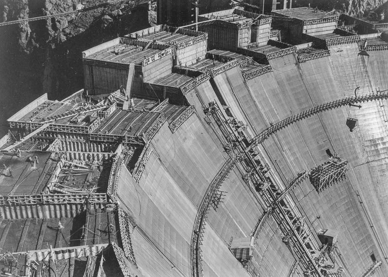 Welding-of-the-30-diameter-penstocks-for-the-Boulder-power-plan.jpg