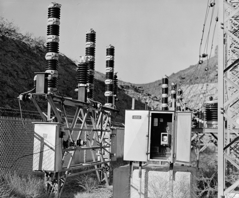lightning-arrestors-hoover-dam-nevada-state-switchyard.jpg