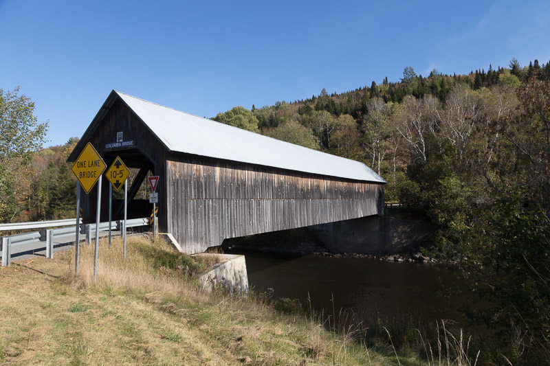 photo-covered-bridge-over-the-connecticut-river-new-hampshire.jpg