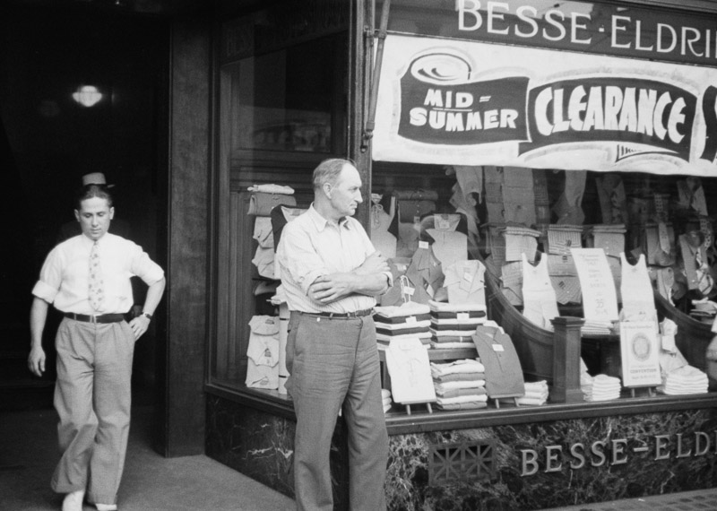photo-dry-goods-and-clothing-store-manchester-new-hampshire-1937.jpg