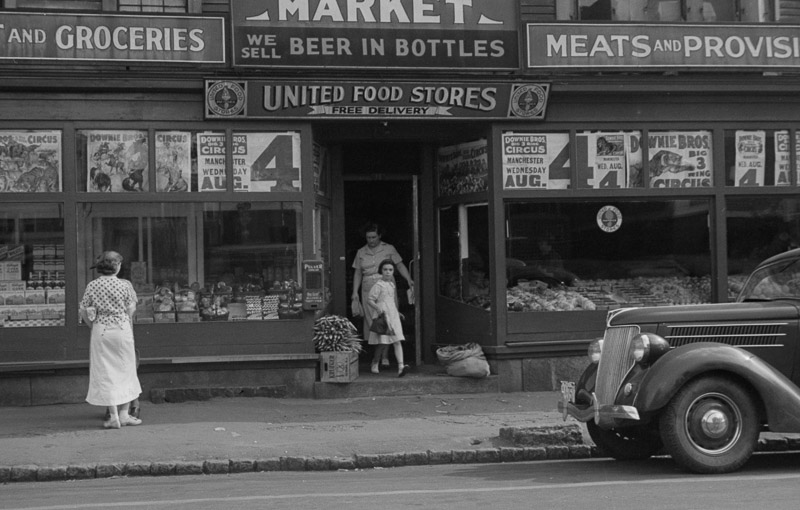 photo-market-in-manchester-new-hampshire-1937.jpg