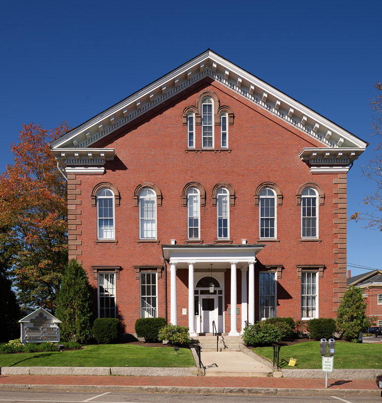 photo-old-city-hall-building-in-portsmouth-new-hampshire.jpg
