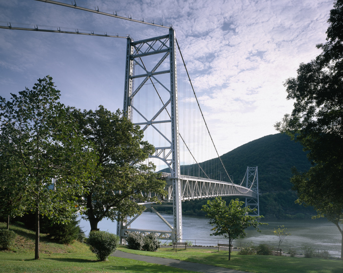 below-bear-mountain-bridge-appalachian-trail-new-york.jpg