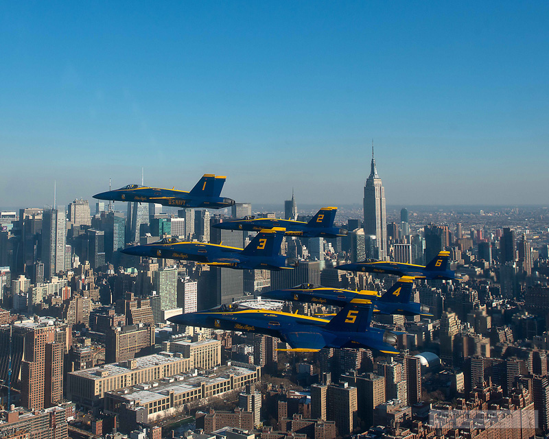 blue_angels_over_nyc_34.jpg