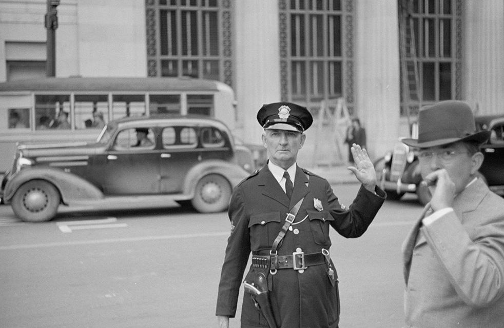 traffic-cop-greensboro-north-carolina-1936.jpg