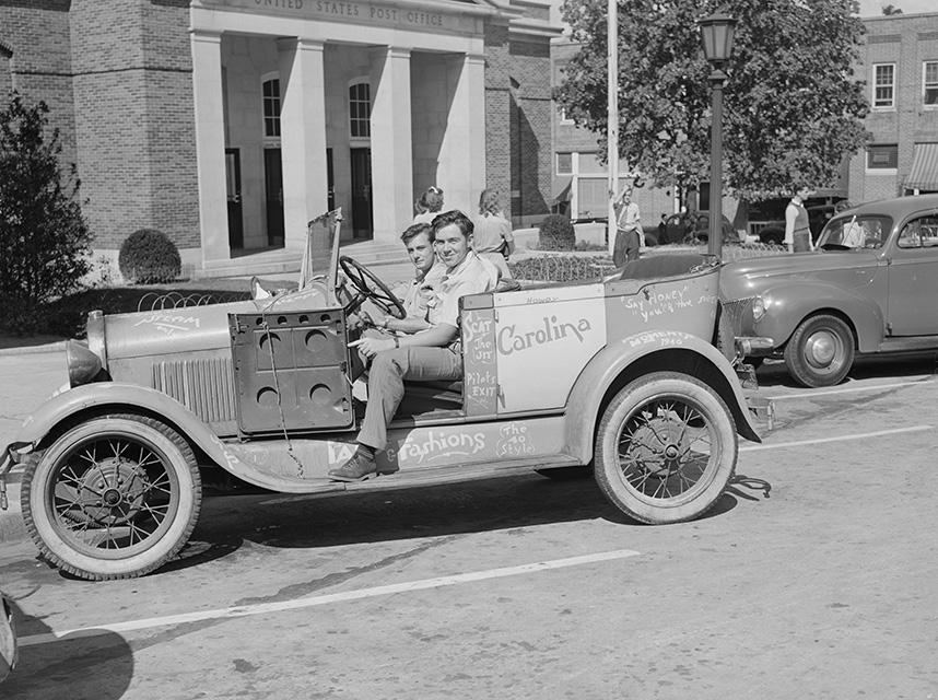 university-of-north-carolina-boys-in-their-car-in-front-of-the-post-office-1940.jpg