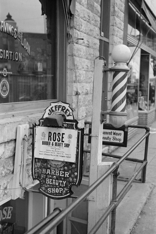 entrance-to-beauty-parlor-and-barber-shop-williston-north-dakota-1937.jpg