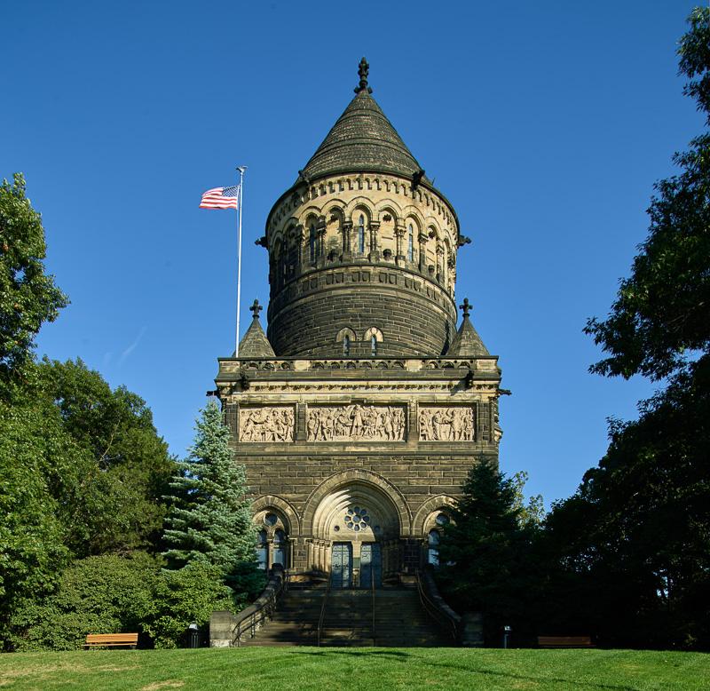 james-a-garfield-memorial-built-in-memory-of-the-20th-u-s-president.jpg