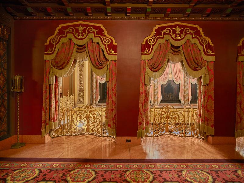 ornate-auditorium-of-the-ohio-theatre-in-columbus-ohio-2.jpg