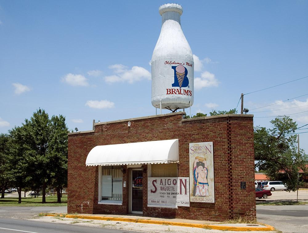 braums-milk-on-route-66-oklahoma-city-oklahoma.jpg