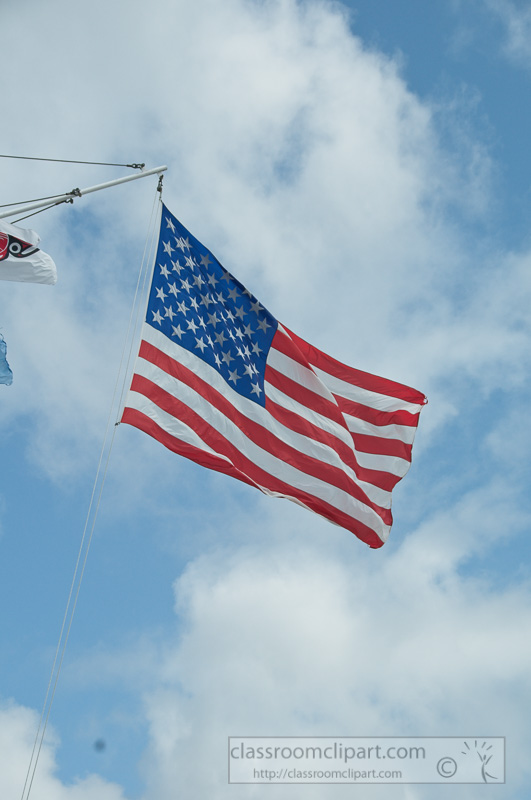 american-flag-flying-over-astoria oregon-372c.jpg