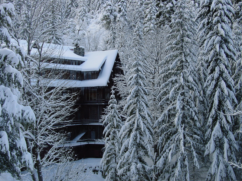 snow-covered-chateau-in-oregon-87.jpg
