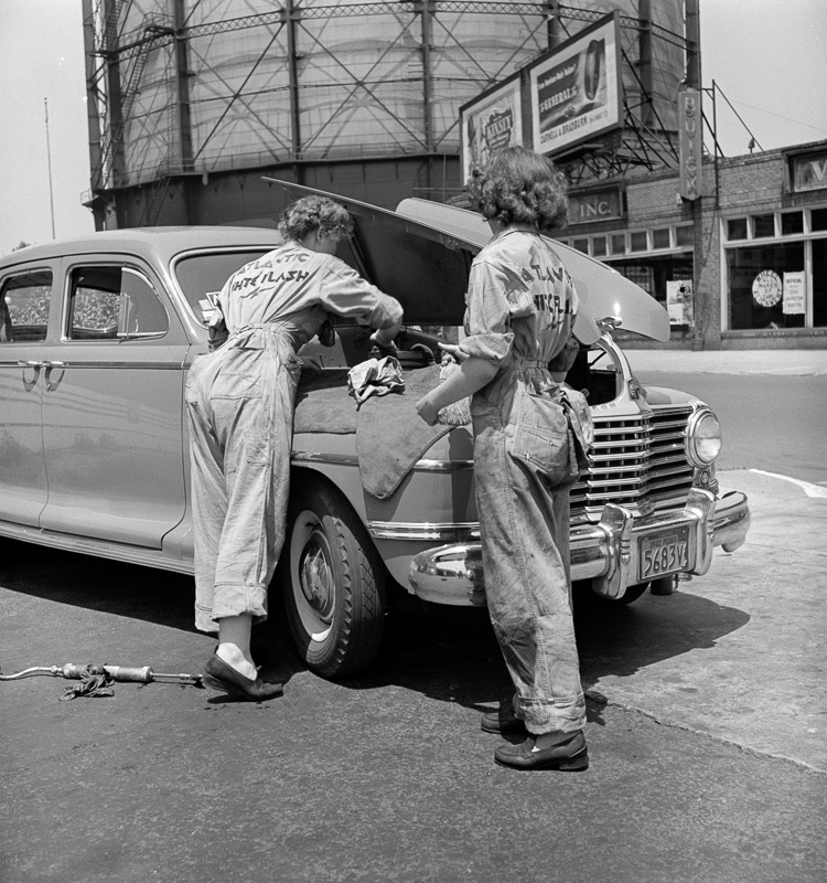 women-garage-attendants-at-the-atlantic-refining-company.jpg