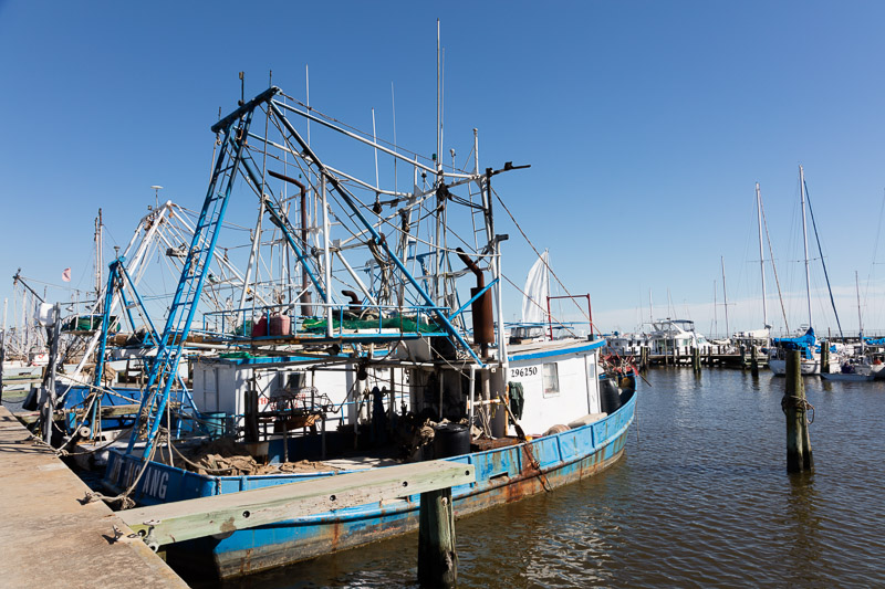 photo-harbor-scene-in-the-mississippi-gulf-coast-city-of-pass-christian.jpg
