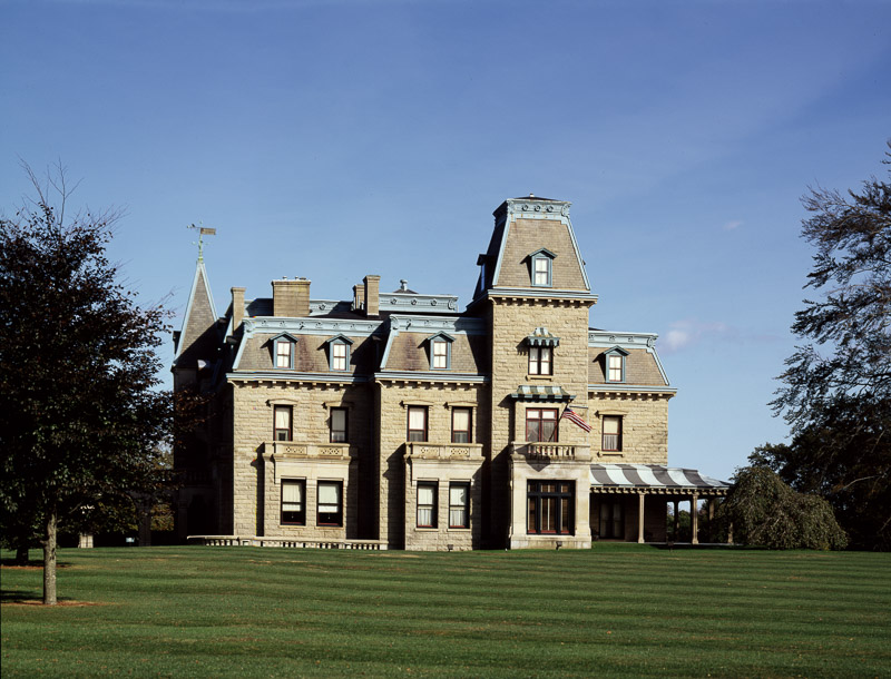 photo-mansion-newport-rhode-island.jpg