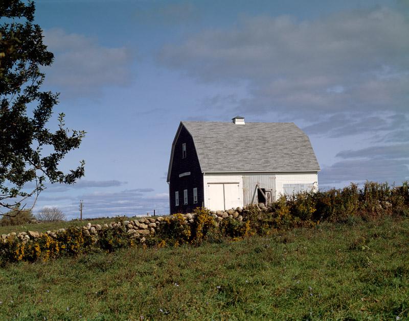 photo-mitchell-farm-barn-on-block-island-rhode-island.jpg