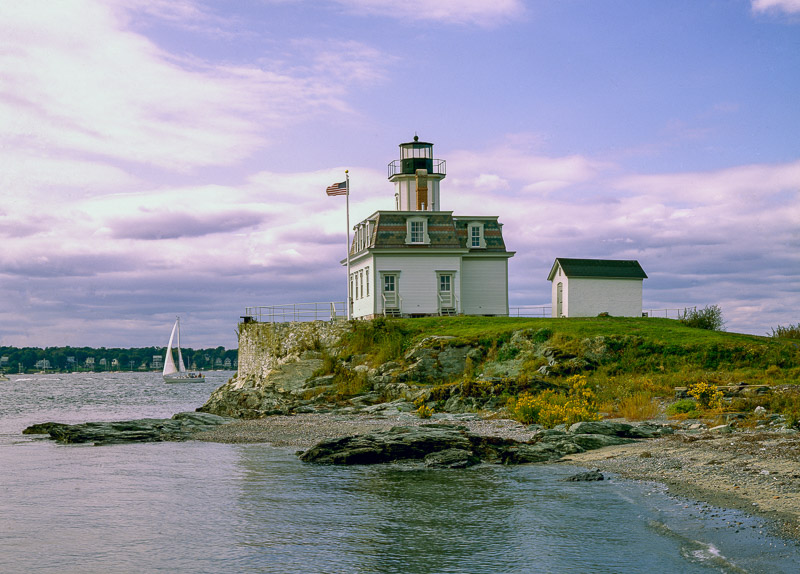 photo-rose-island-lighthouse-rhode-island.jpg