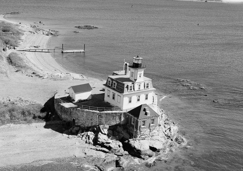 photo-rose-island-lighthouse-was-built-atop-structure-in-1869.jpg