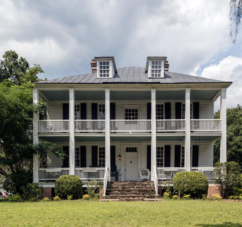 photo-great-house-at-hopsewee-plantation-near-the-settlement-of-north-santee-south-carolina.jpg