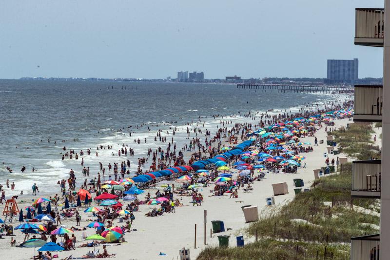 photo-scene-along-the-atlantic-shore-at-myrtle-beach-south-carolina.jpg