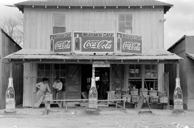 photo-cafe-and-grocery-store-robstown-texas-1939.jpg