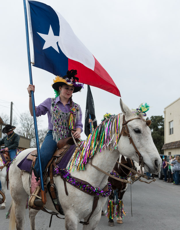 photo-carries-the-texas-flag-in-the-big-parade.jpg