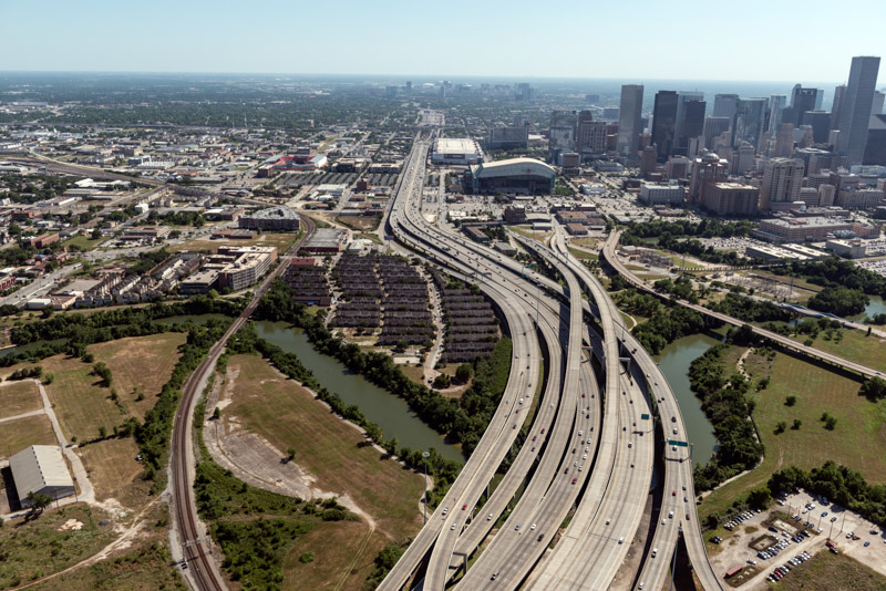 photo-freeways-in-bustling-houston-texas.jpg