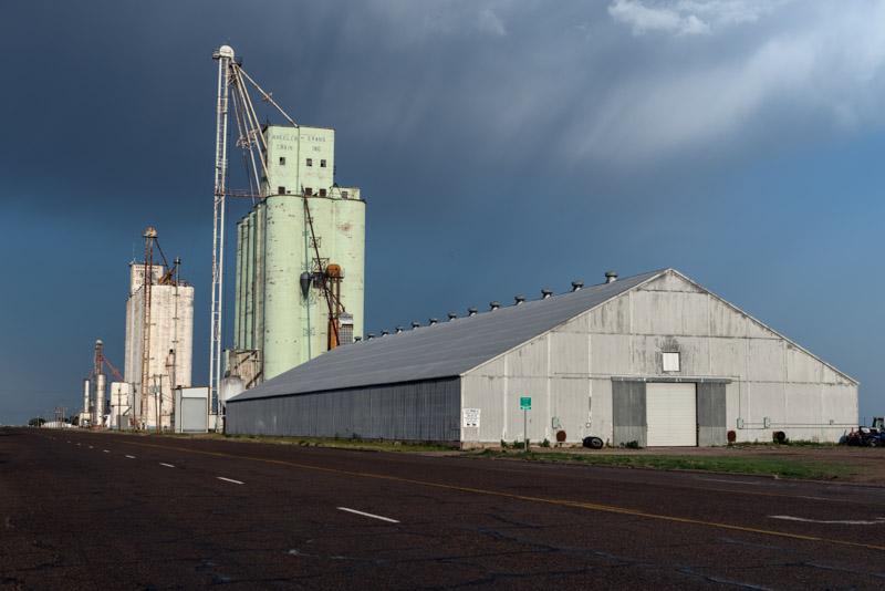 photo-grain-elevator-and-related-buildings-in-groom.jpg