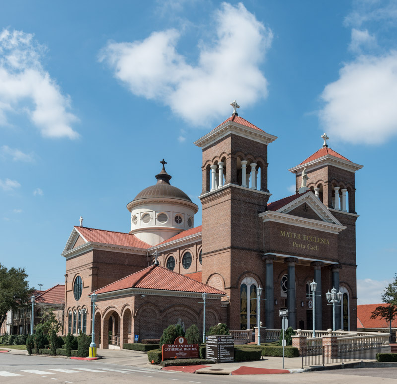 photo-saint-anthony-cathedral-basilica-in-beaumont-texas.jpg