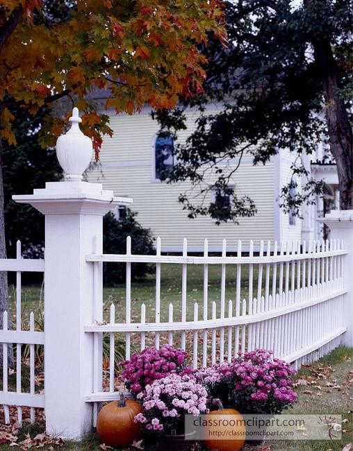 white_fence_fall_foliage.jpg