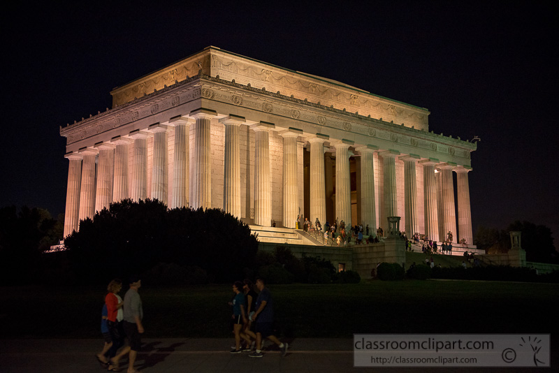 Lincoln-Memorial-at-night-Washington-DC-1829.jpg