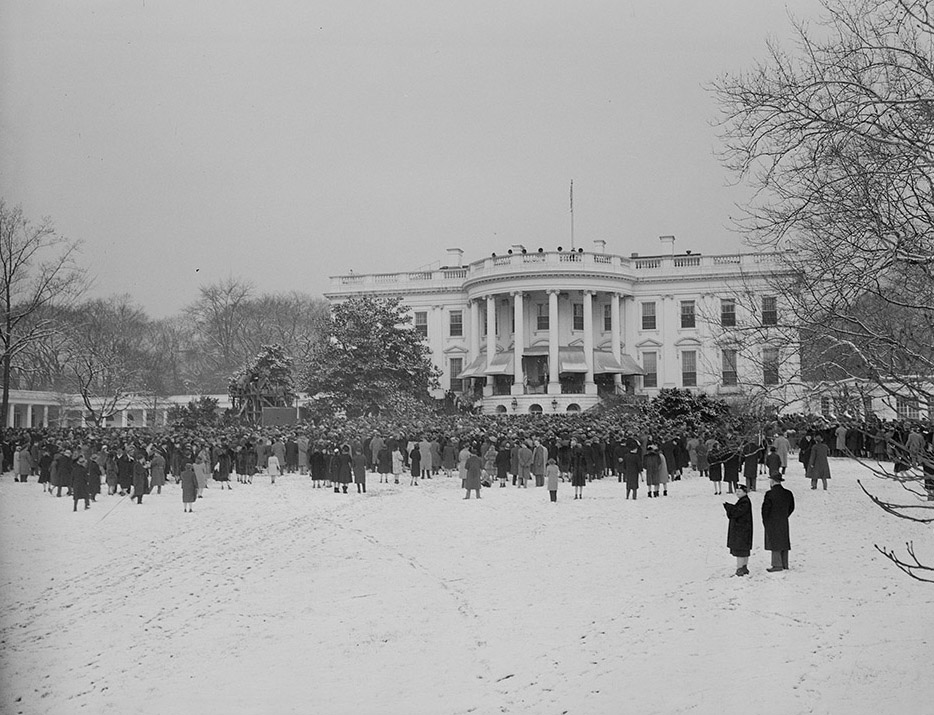 crowd-stands-in-snow-for-inauguration-washington-dc-jan-20-1945.jpg