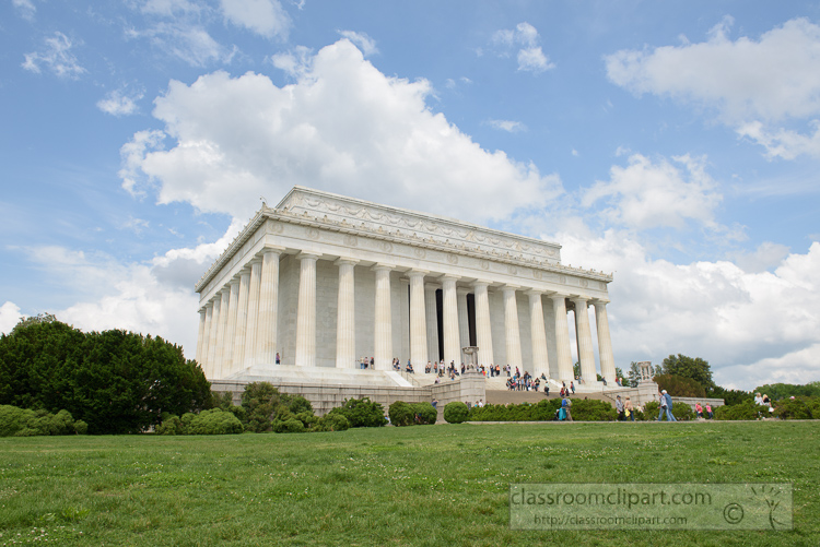 entrance-to-the-lincoln-memorial-3633.jpg