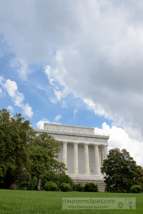 side-view-of-the-lincoln-memorial-3626.jpg