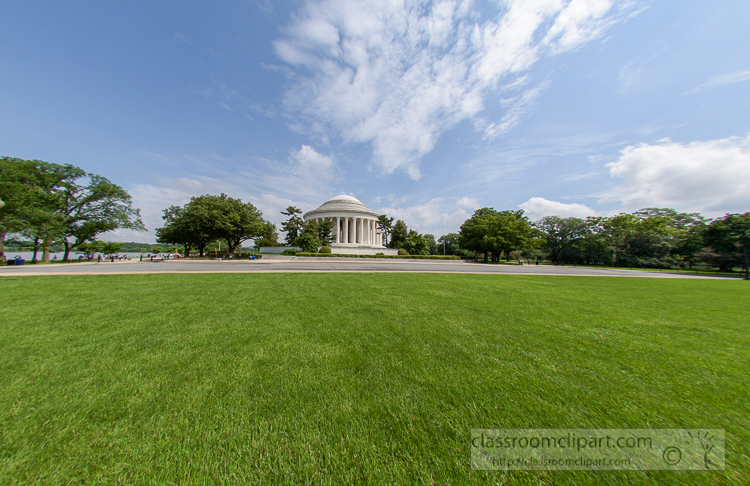 view-of-the-jefferson-memorial-wide-angle-from-grassy-area-464.jpg