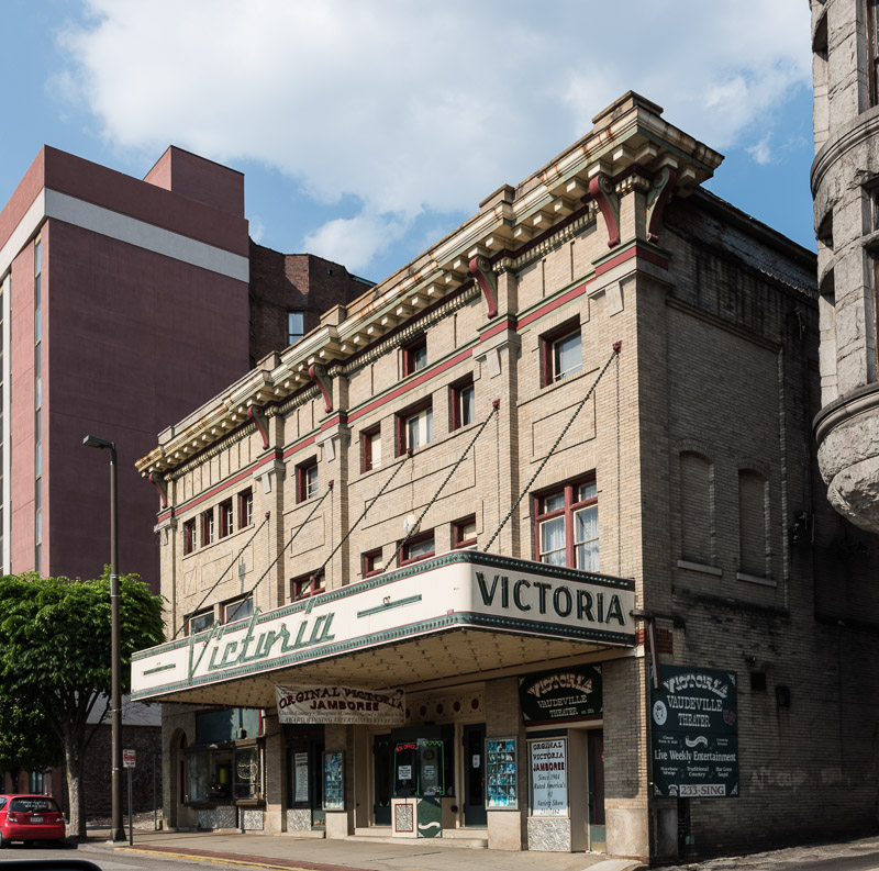 photo-victoria-theater-in-wheeling-west-virginia-opened-in-1904.jpg