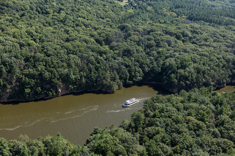 aerial-view-of-an-excursion-boat-plying-the-wisconsin-river.jpg