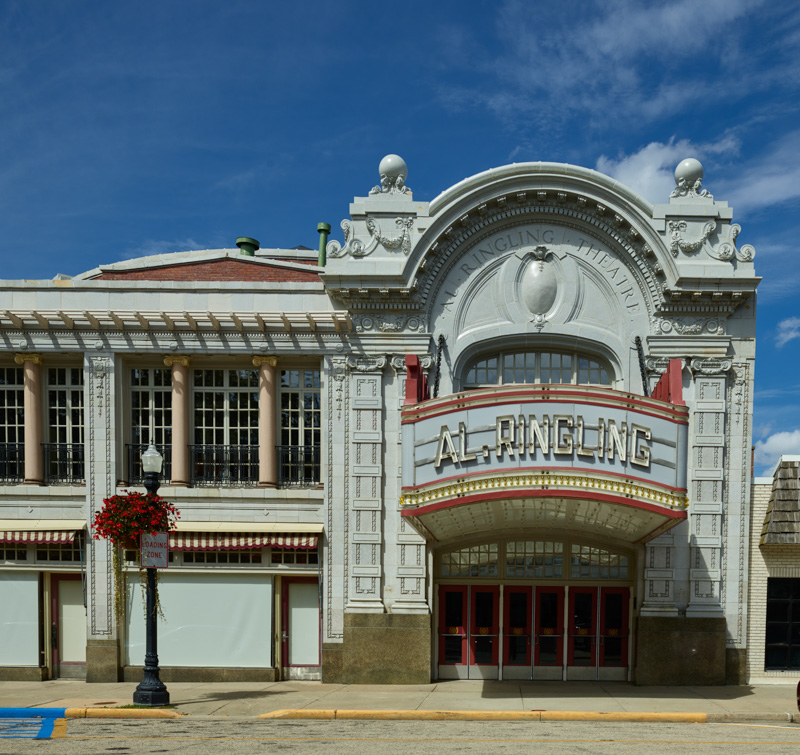 al-ringling-theatre-in-downtown-baraboo-wisconsin.jpg