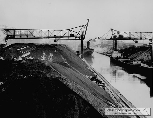 coal_mound_1942_city046.jpg
