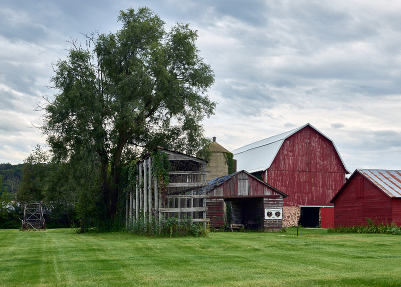 handsome-farm-in-sauk-county-wisconsin.jpg
