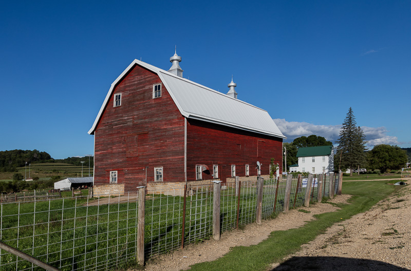 large-red-dairy-barn-in-richland-county-wisconsin-2.jpg