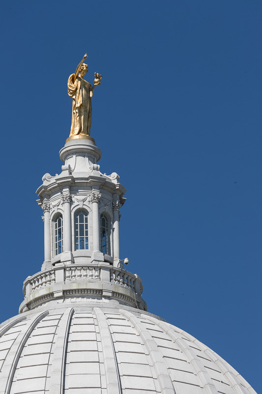 statue-atop-the-wisconsin-capitol.jpg