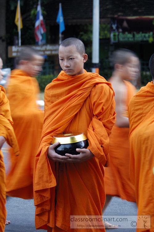 buddhist_monk_food_offering_1028.jpg