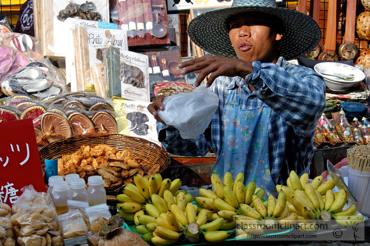 vendor_selling_fruit_44A.jpg
