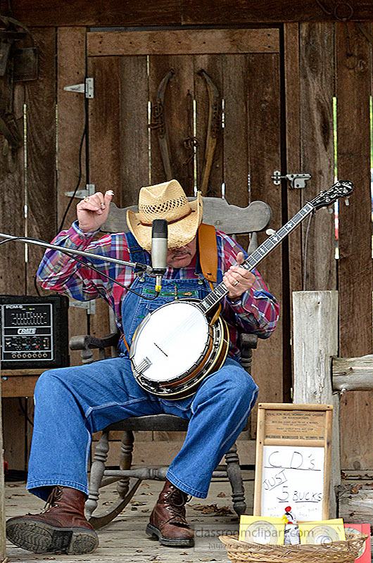 picture-man-playing-the-banjo.jpg