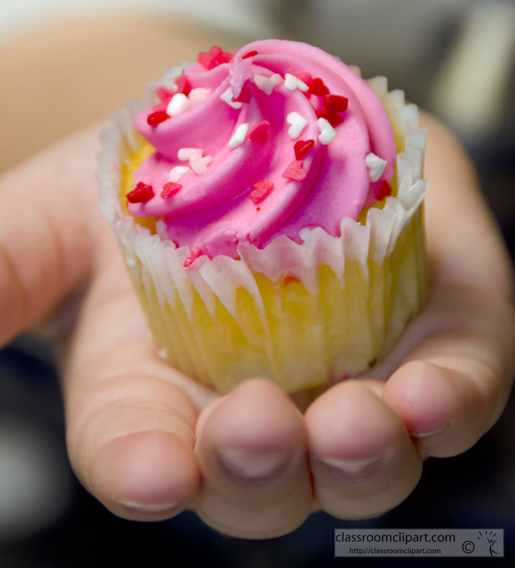 cupcake_in_hand_picture-image3928bb.jpg