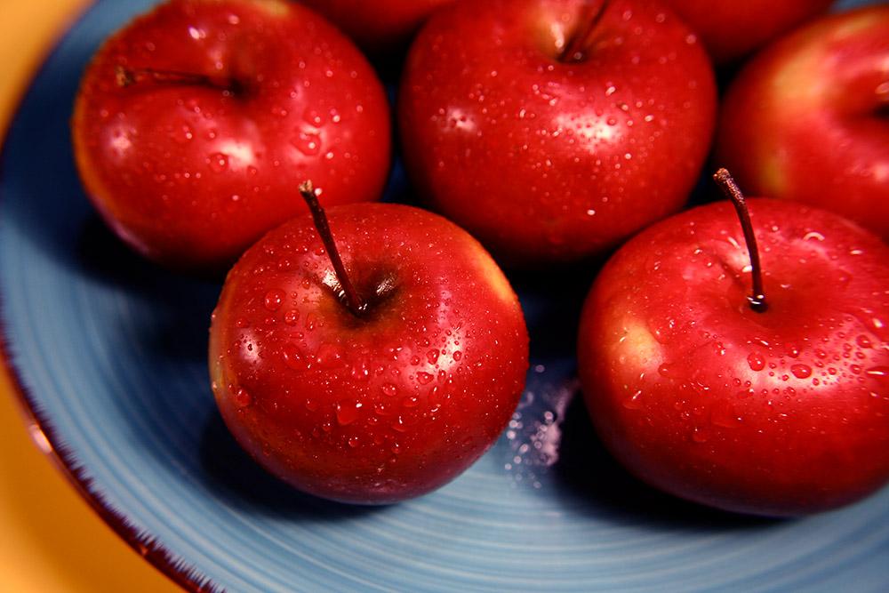 plate_of_apples_216.jpg